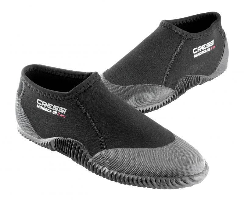 Escarpines bajos tipo zapatillas de buceo cressi minorca jpg 800x660  Escarpines para buceo edf1f2ceb3c
